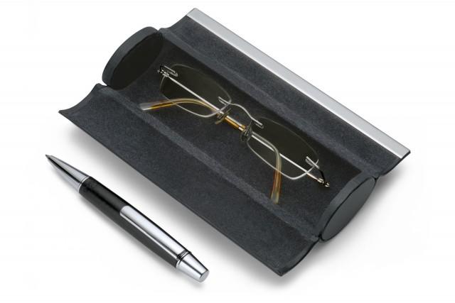 GIORGIO glasses and pen case