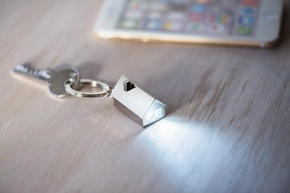 HAUS leuchtender Schlüsselanhänger