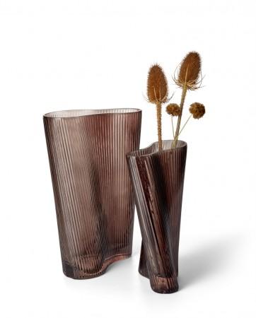 LEO vase - corrugated waveform